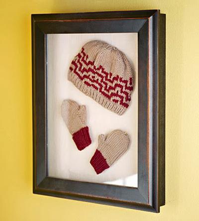 اولین کلاه و دستکش بافتنی فرزندتان را در یک قاب کوچک قاب کنید